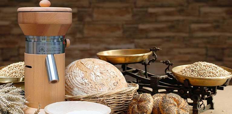 Molinos de grano originales de Salzburgo con piedra de molino de granito y cámara de molienda de madera